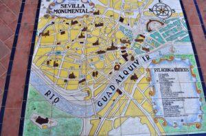 Mosaik mit Stadtplan beim Plaza de Espana